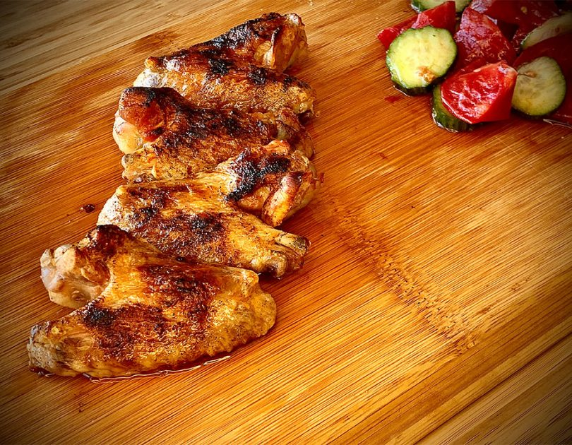 Печени пилешки крилца с масло